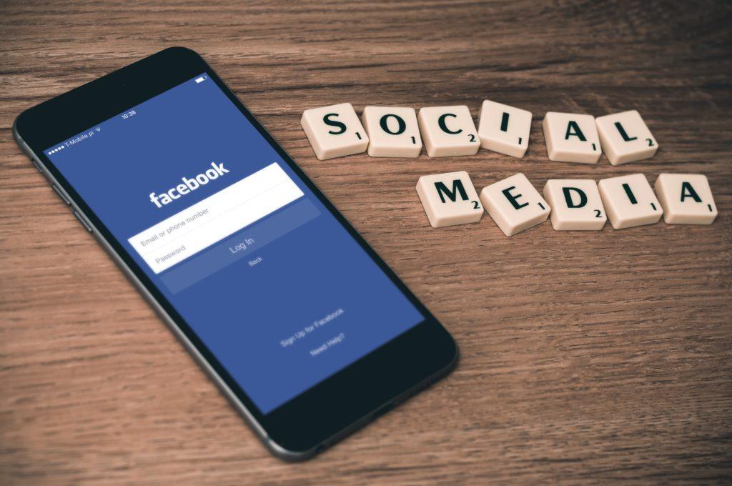 Facebook_ads_sparkling_agency_tips